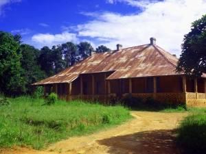 Deine Reiselust | Wohngebäude in Livingstonia